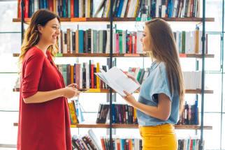 LibraryReadingGirls