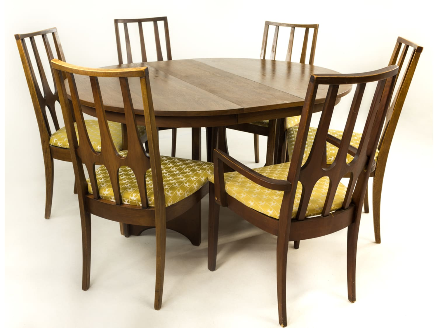 Broyhill Brasilia Round Dining Table Set 6 Chairs Apartment Therapy S Bazaar