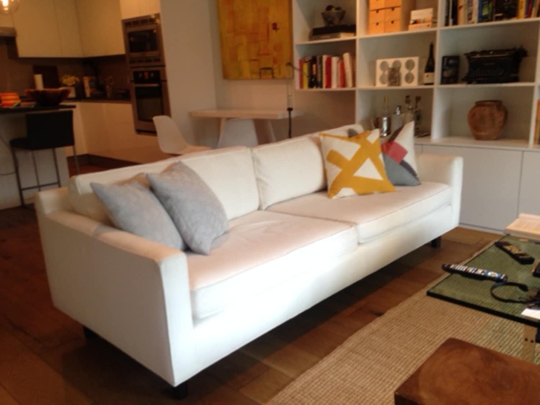 Mitchell Gold Bob Williams 90 White Hunter Sofa Apartment