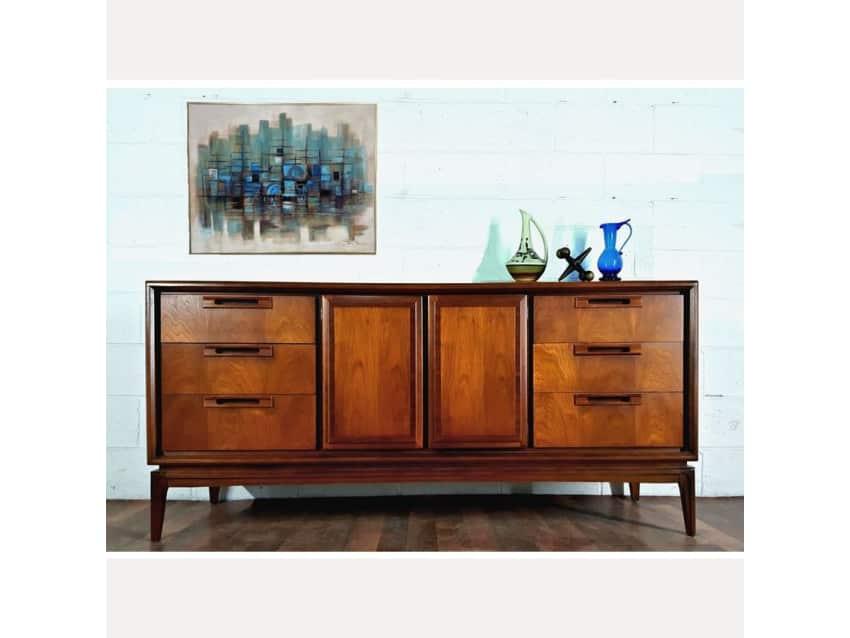 Danish Credenza Walnut : Handsome danish modern style mcm walnut credenza apartment