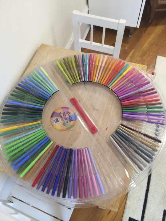 Giant Rainbow Marker Set
