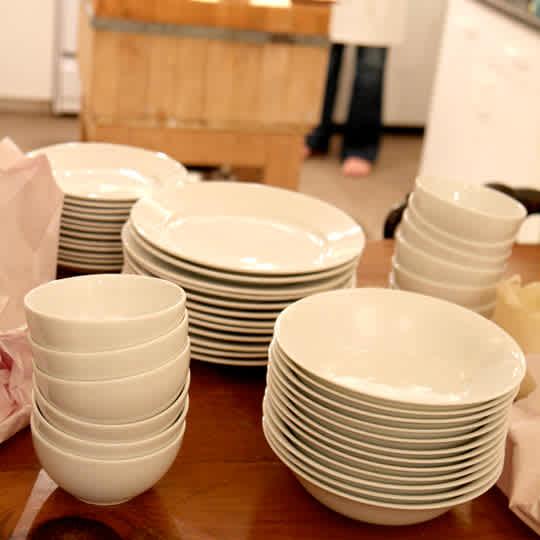 Casper Porcelain Dinner Plates & Bowl by Terence Conran