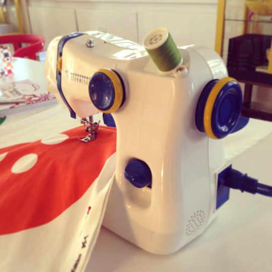SY Sewing Machine by Henrik Preutz