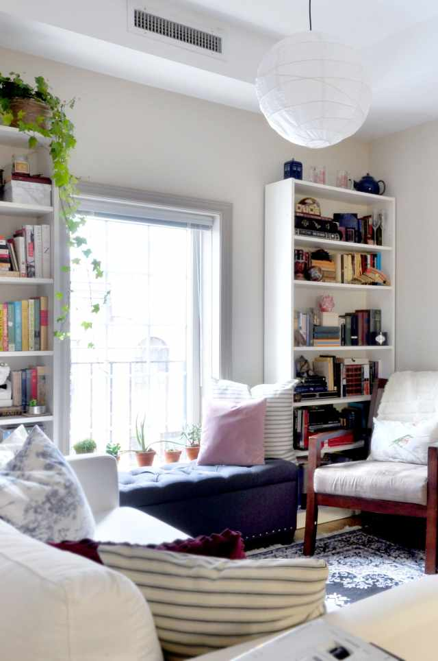 How to Fit a Reading Nook into the Smallest of Spaces ...