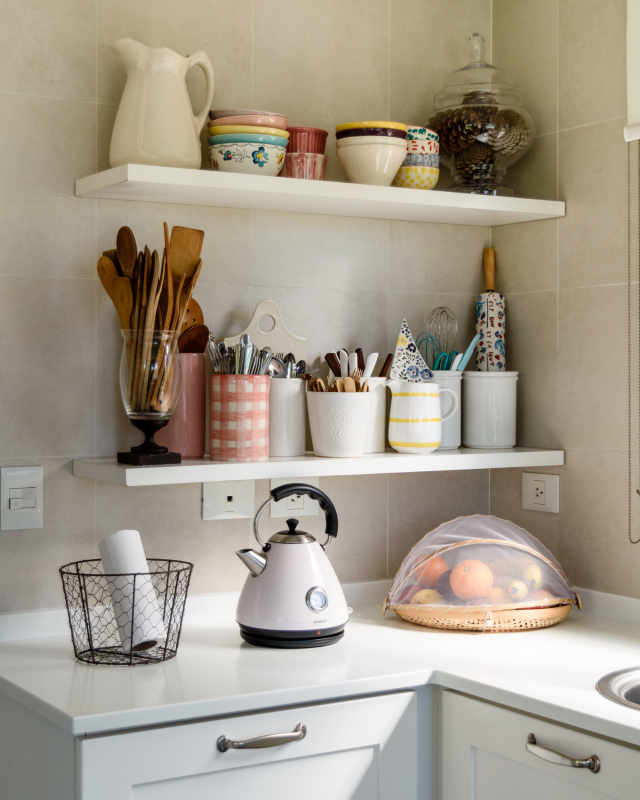 Apartment Therapy Kitchen Shelves: Open Kitchen Shelving Advice & Secrets