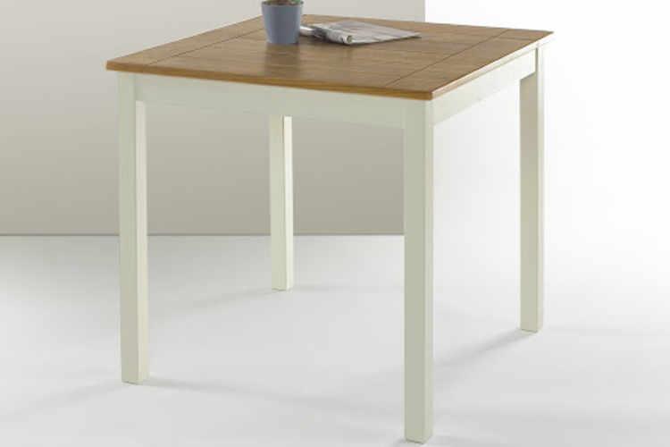 Lovely Gateleg Extendable Table