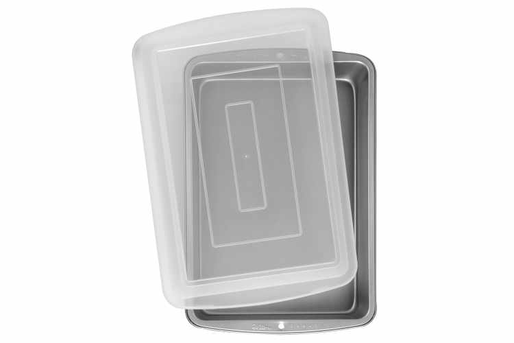Wilton Recipe Right 9 x 13-Inch Oblong Pan with Cover