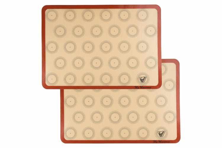 Silicone Macaron Baking Mat – Set of 2