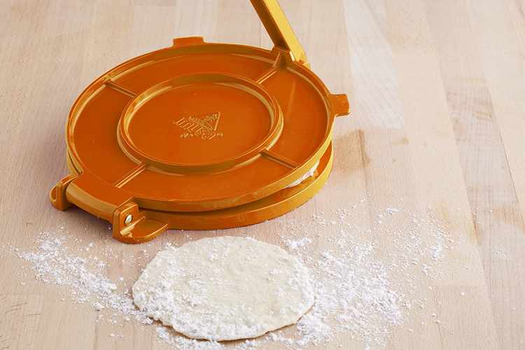 IMUSA Aluminum Tortilla Press 8-Inch