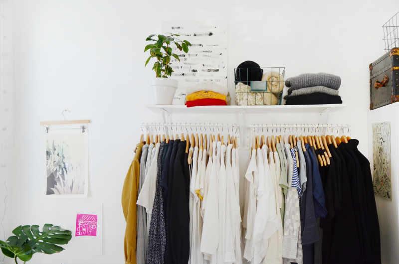 Stylish & Affordable Makeshift Closet IKEA Hacks ...