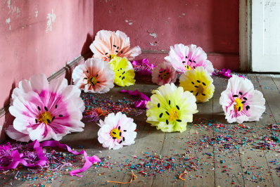 How to make giant paper flower blooms apartment therapy mightylinksfo