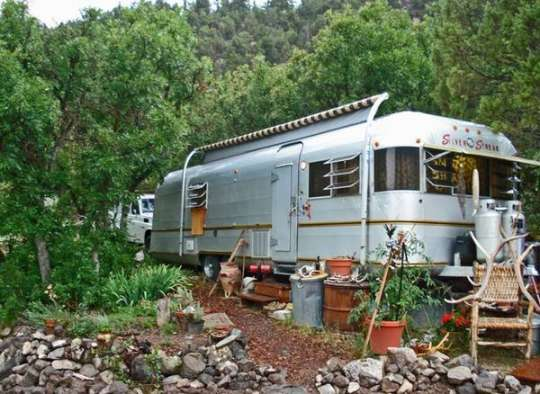 Airstream & 10 Acres of Land in High Rockies