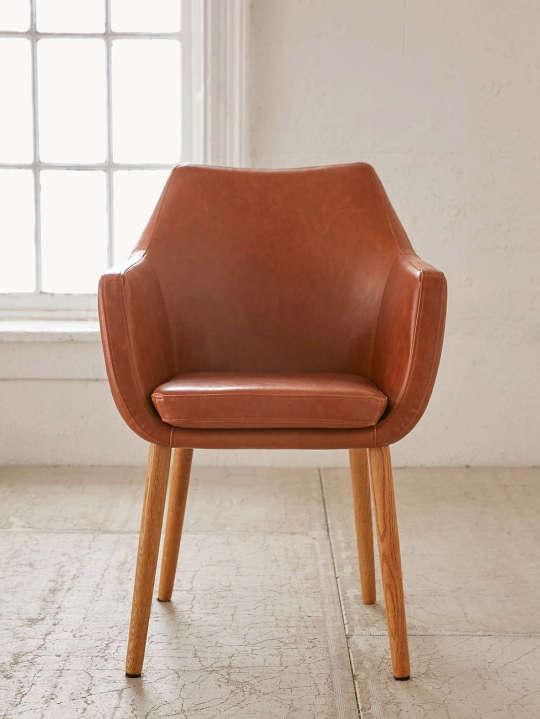 Nora Saddle Chair