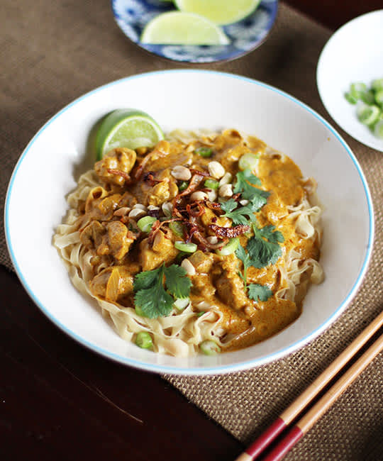 Recipe: Egg Noodles With Rich Chicken Curry Sauce (Khao