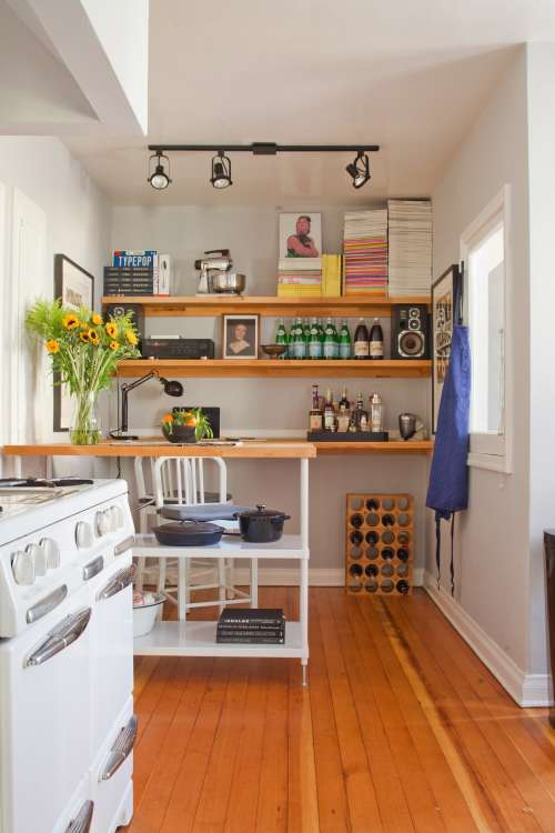 6 Ways to Make a Small Kitchen Look Infinitely Bigger | Apartment ...