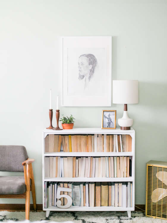Displaying Books Backwards Trend | Apartment Therapy