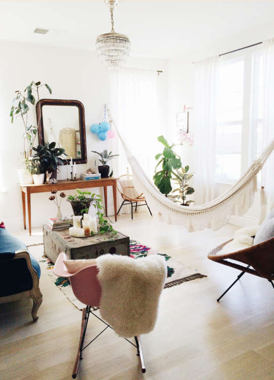 (Image Credit: Cakies). Rubyellen From Cakies Hung A Hammock In Her Living  Room ...