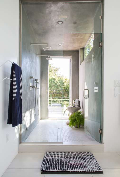 5 Different Ways To Keep Your Glass Shower Door Clean For Good
