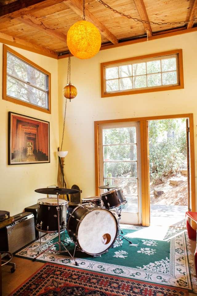 Kristin Amp Derek S Musical Laurel Canyon Lodge Apartment