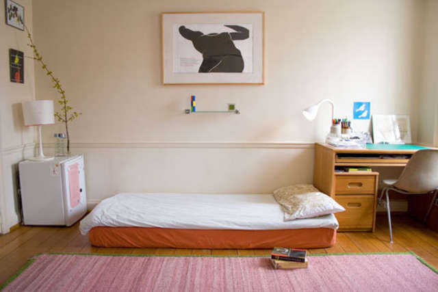 What to Buy (and What Not to Buy) for Your Dorm Room | Apartment Therapy