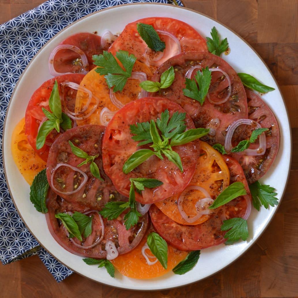 Recipe: Heirloom Tomato Salad with Pomegranate-Sumac Dressing