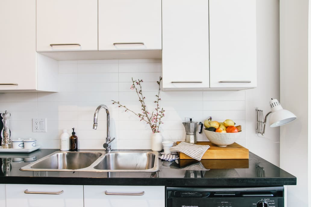 how to clean a kitchen sink that smells
