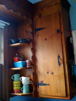 good question how can i re decorate my kitchen around my country cabinets kitchn