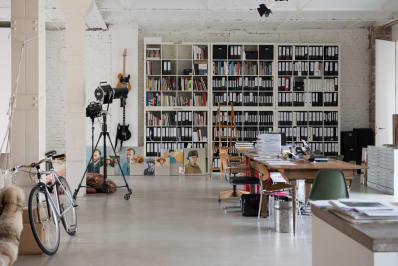 Ikea Kallax Credenza : Super smart ways to use the ikea kallax bookcase apartment