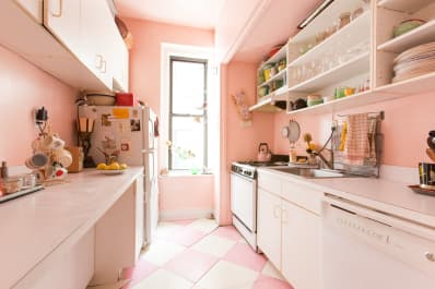 12 Perfectly Pink Kitchens That Knock It Out Of The Park Apartment - Apartment-therapy-kitchen