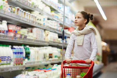 5 things to occupy your kid at the grocery store