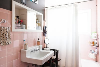 Ideas For Hanging Storing Towels In A Small Bathroom Apartment Therapy