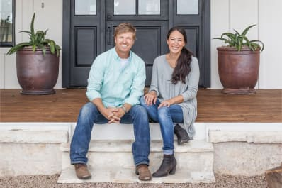 when is joanna gaines due date fixer upper new baby apartment therapy. Black Bedroom Furniture Sets. Home Design Ideas
