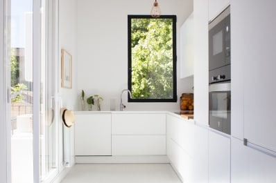 Minimal Modern Kitchens That Dont Look Like Kitchens Apartment - Apartment-therapy-kitchen