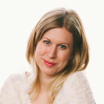 Photo of Lucy Hewett