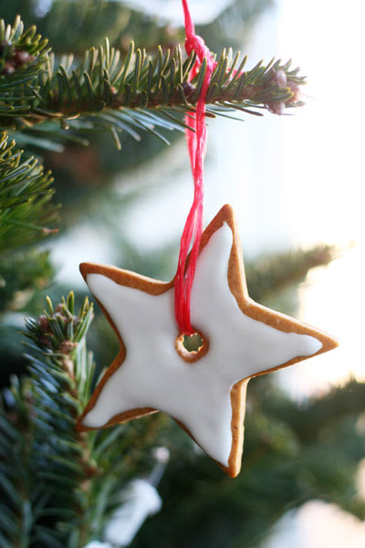 this christmas will be my first with homemade christmas ornaments growing up i always had the most perfect christmas trees complete with dozens of - Gingerbread Christmas Tree Decorations