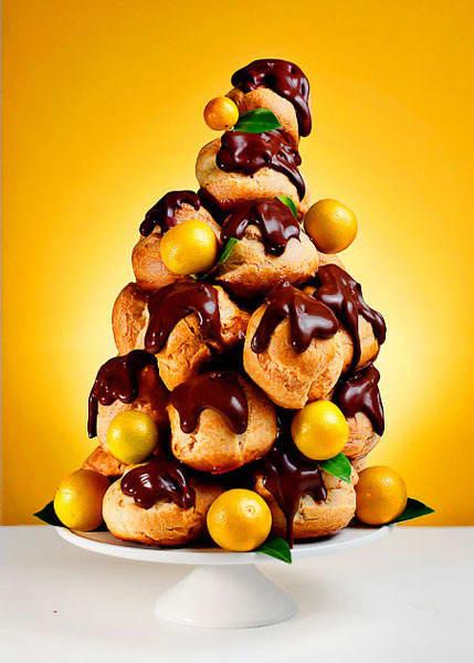 Christmas Croquembouche. 8c31431eef254366f1146ae4c7e9982dee5f617b - Christmas Croquembouche Kitchn
