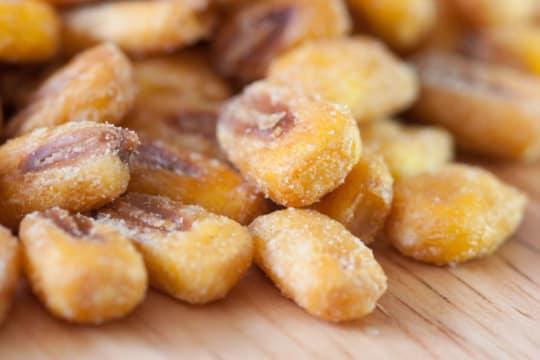 Quicos (Giant Crunchy Corn Kernels)