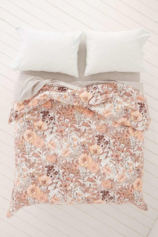 Plum & Bow Mila Allover Floral Duvet Snooze Set