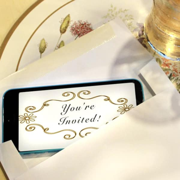 6 Ways To Send Party Invitations Right From Your Phone Apartment