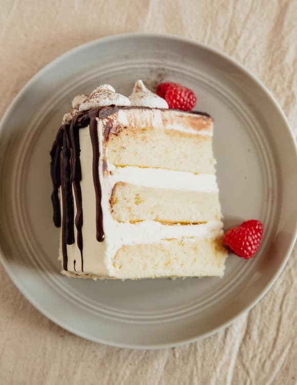 Whats The Difference Between White Yellow And Vanilla Cake Kitchn