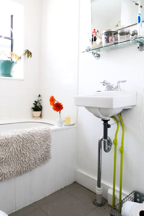 How To Clean Bathtub Jets with Basic Household Ingredients ...