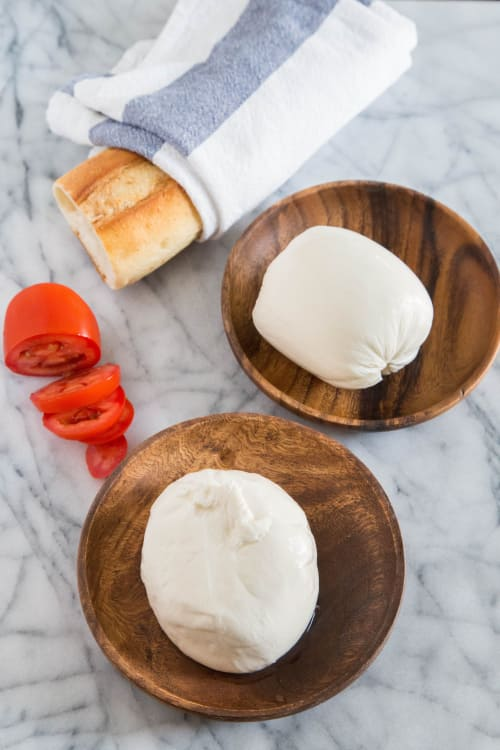 What S The Difference Between Mozzarella And Burrata Kitchn