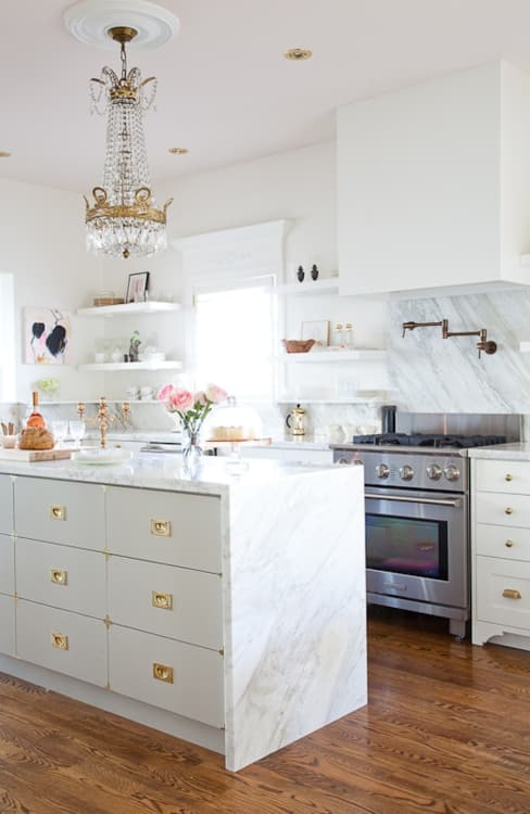 50 Sensational kitchen unit lighting ideas #kitchen #kitchenlighting #kitchenlightingfixturesceiling #lightingdesign #kitchenremodel