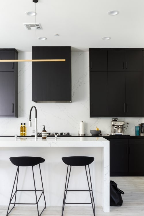 Modern kitchens Island image Credit Jessica Isaac Youtube The Best Modern Kitchen Design Ideas Apartment Therapy