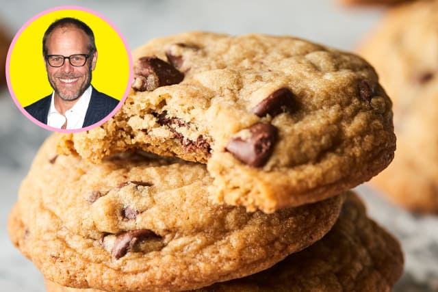 Alton Brown's Secret for a Perfectly Chewy Chocolate Chip Cookie — Celebrity Recipe Showdown