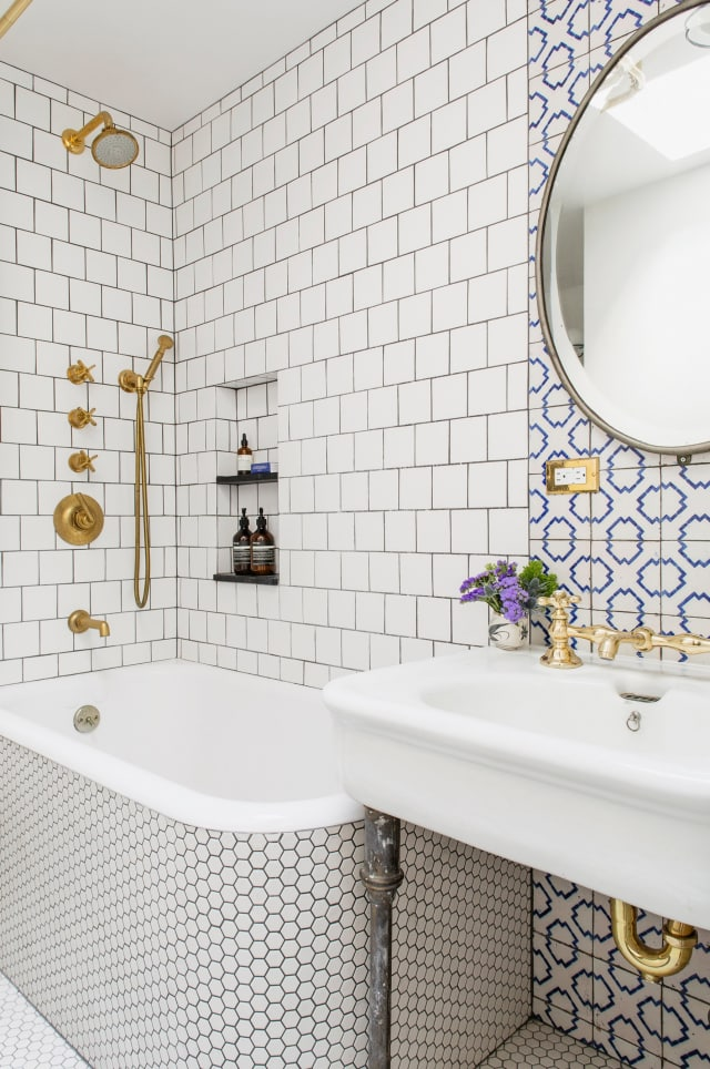 Stylish Remodeling Ideas for Small Bathrooms   Apartment ...