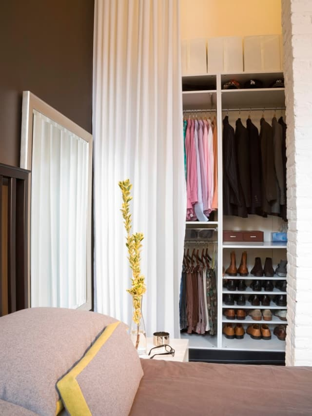 20 Ideas for Organizing Your Bedroom Closet | Apartment ...