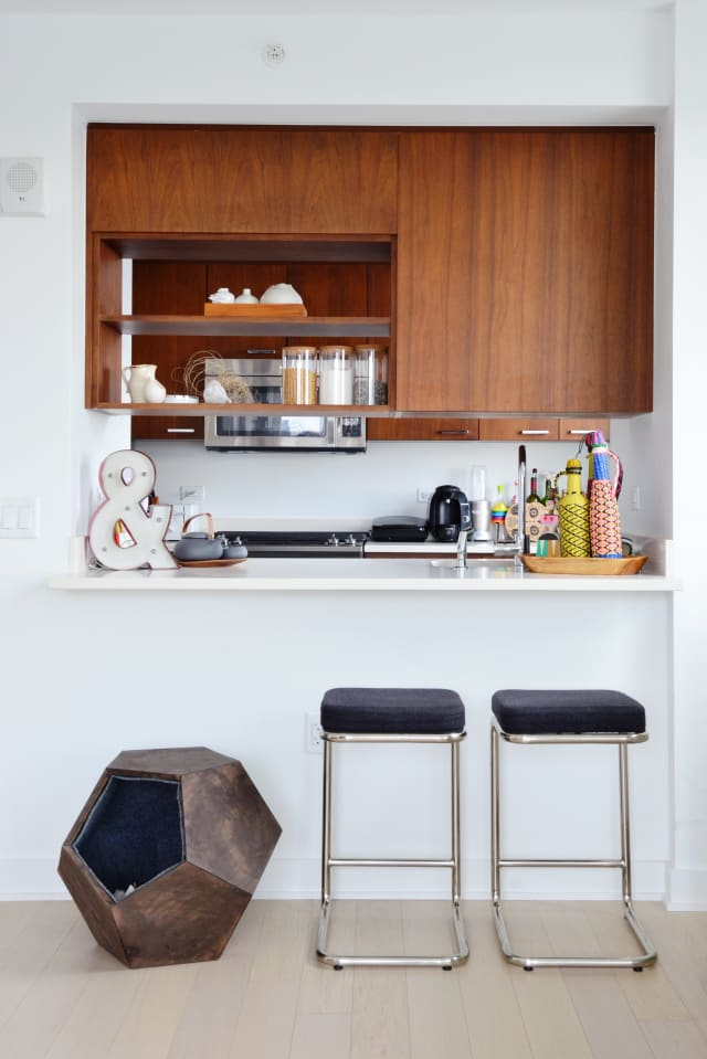 House Tour A 650 Square Foot New York Newlywed Nest