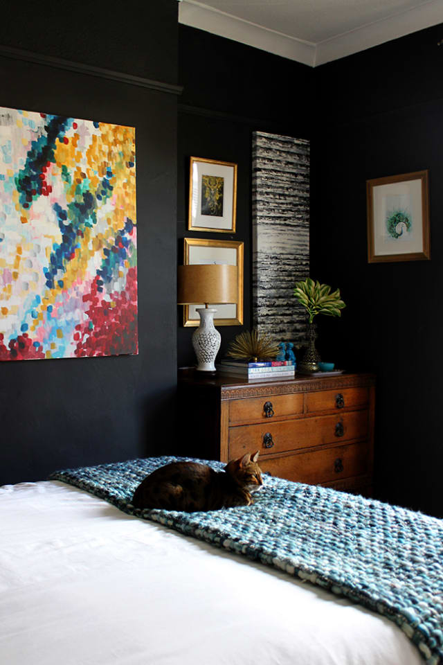 Paint Color Ideas That Work in Small Bedrooms   Apartment ...