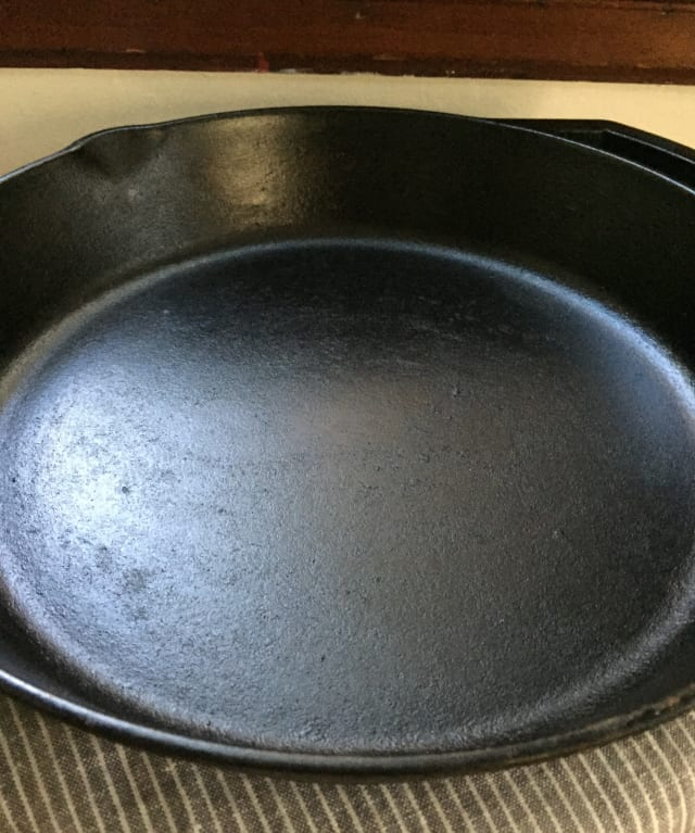 Why Use A Cast Iron Skillet: Season Cast Iron Skillet Flaxseed Oil